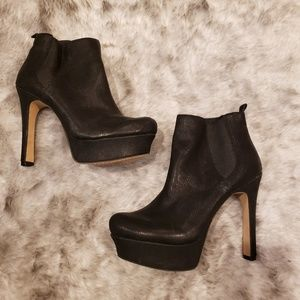 Vince Camuto black ankle boots size 7